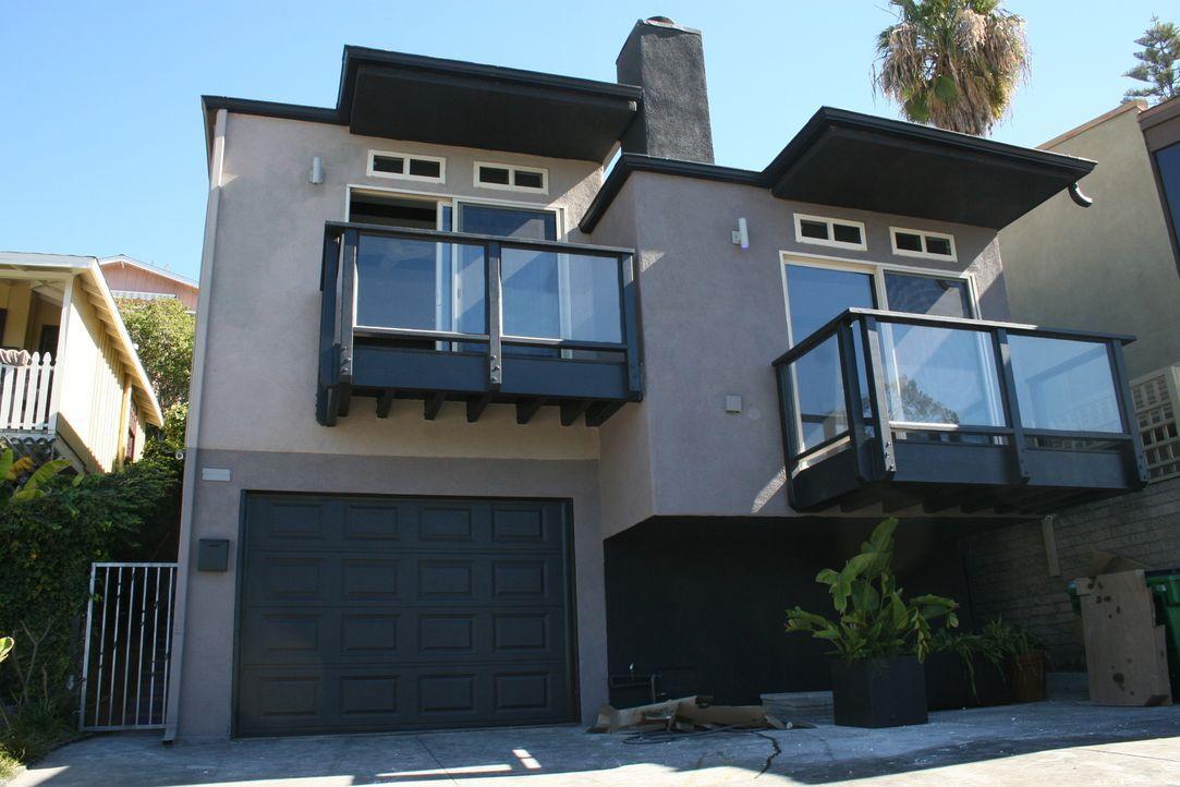 Heute renovieren Christina und Tarek El Moussa ein Haus in Traumlage: Direkt am Laguna Beach. Das Haus mit Meerblick und Strandzugang könnte ein Mil... - Bildquelle: 2016,HGTV/Scripps Networks, LLC. All Rights Reserved