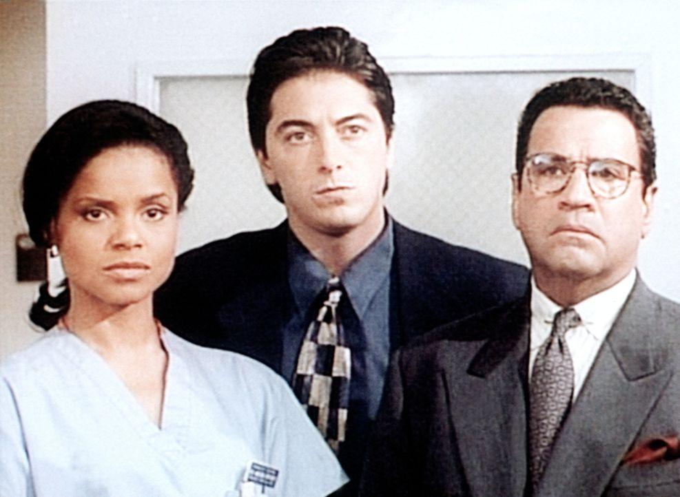 Amanda (Victoria Rowell, l.), Jack (Scott Baio, M.) und Briggs (Michael Tucci, r.) stehen dem Mörder gegenüber. - Bildquelle: Viacom