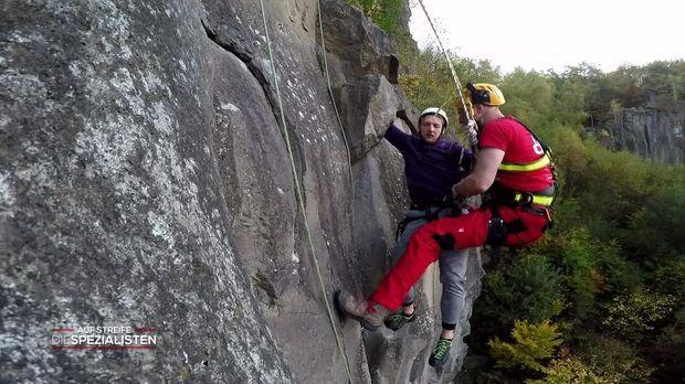 Auf Streife - Die Spezialisten - Auf Streife - Die Spezialisten - Ein Kletterer Erhängt Sich Selbst