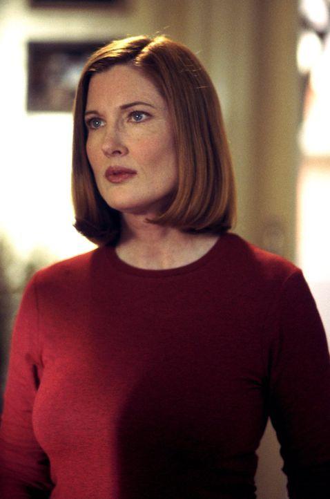 Noch ahnt Martha (Annette O'Toole) nicht, wie groß Clarks übermenschlichen Kräfte tatsächlich sind ... - Bildquelle: Warner Bros.