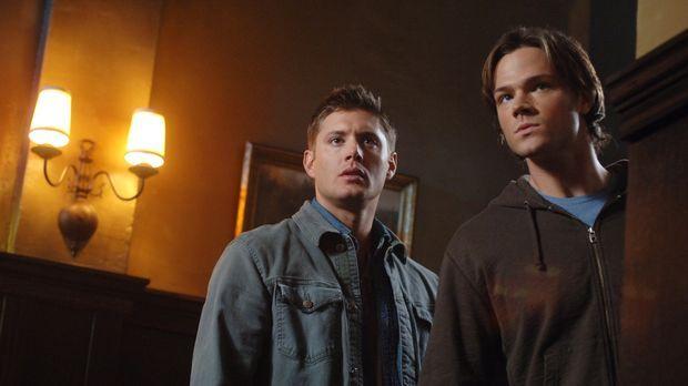 Sam (Jared Padalecki, r.) und Dean (Jensen Ackles, l.) versuchen herauszufind...