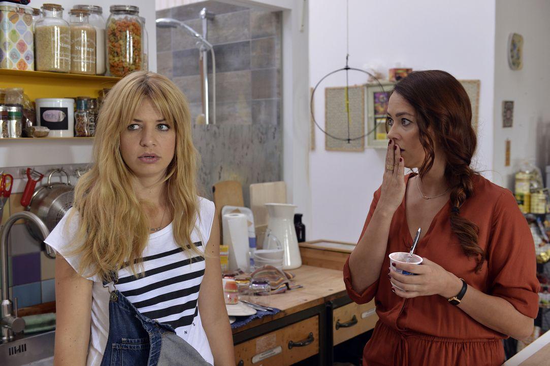 Mila (Susan Sideropoulos, l.) bekommt einen Live-Chat für ihre Casual-Sex Kolumne aufgedrängt und gibt sich offen ehrlich. Ein Fehler in Sallys (Lau... - Bildquelle: Oliver Ziebe SAT.1