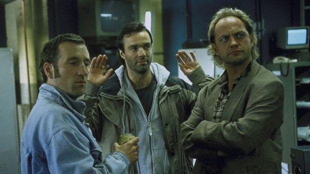 Alex (Peter Lohmeyer), Tom (Hannes Jaenicke) und Hajo (Uwe Ochsenknecht) unte...