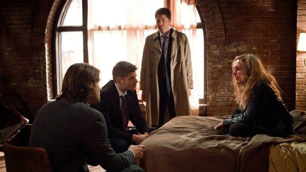 Kann Meg (Rachel Miner, r.) Sam (Jared Padalecki, l.) und Dean (Jensen Ackles...