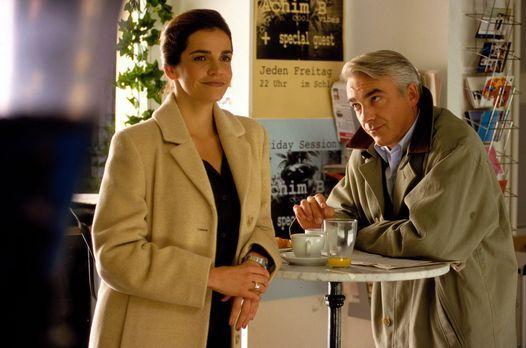 Edel & Starck - Sandra (Rebecca Immanuel, l.) und Felix (Christoph M. Ohr...