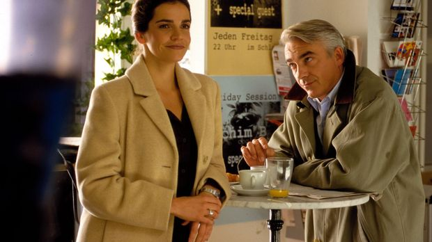 Edel & Starck - Sandra (Rebecca Immanuel, l.) und Felix (Christoph M. Ohrt, r...