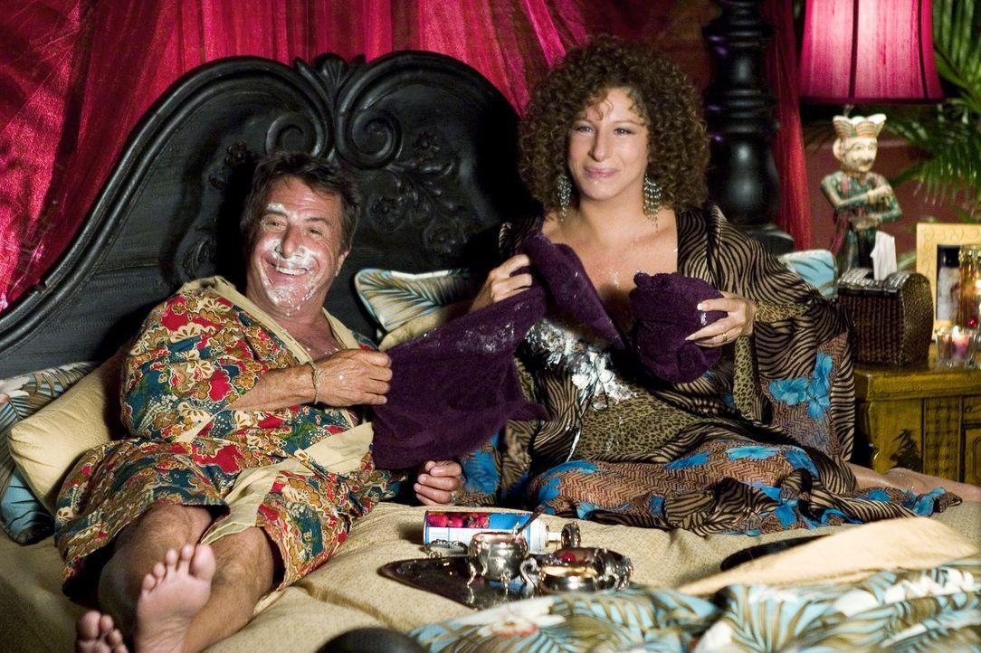 Das Ehepaar Focker (v.l.n.r.: Dustin Hoffman, Barbra Streisand) freut sich, erstmals die Schwiegereltern ihres geliebten Sohnes Greg kennen zu lerne... - Bildquelle: DreamWorks SKG