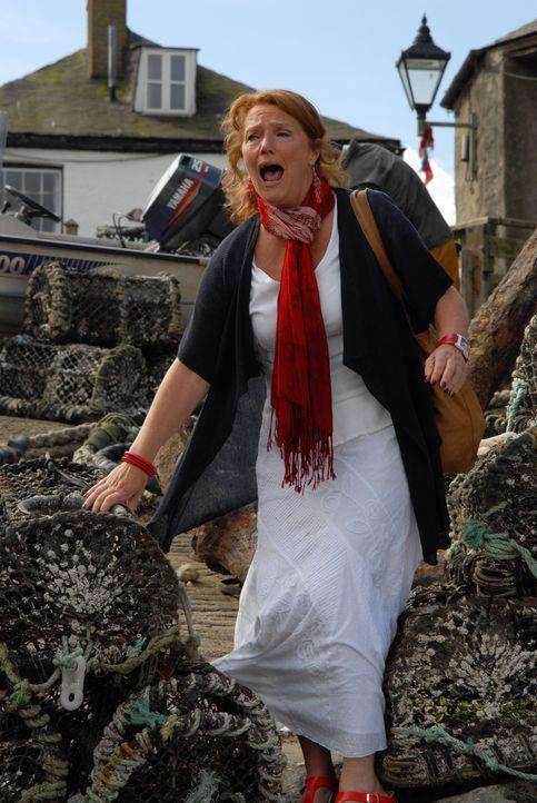Eigentlich wollte Eleanor (Louise Jameson) mit Bert einen spanischen Abend organisieren, um ihm so finanziell unter die Arme zu greifen. Doch dann e... - Bildquelle: BUFFALO PICTURES/ITV