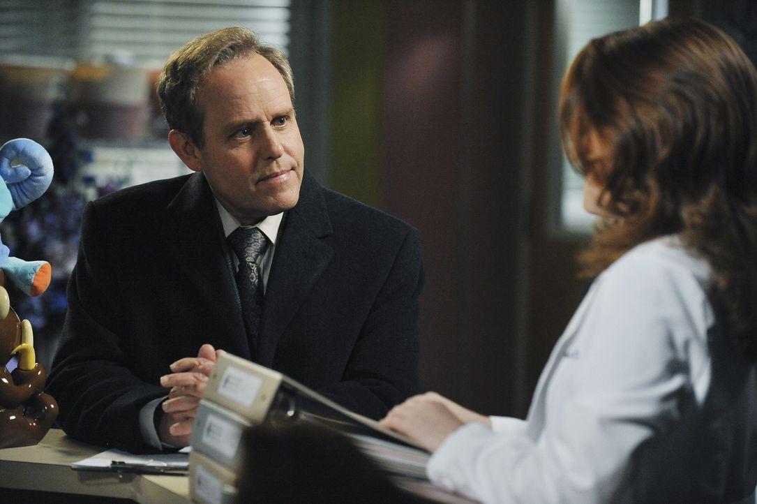Während sich Meredith zwischen ihrer Fruchtbarkeitsbehandlung und ihrem Augenlicht entscheiden muss, entdeckt April (Sarah Drew, r.), dass mehr an... - Bildquelle: ABC Studios