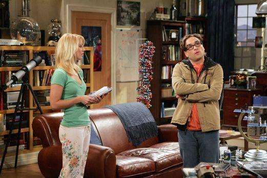 The Big Bang Theory - Penny (Kaley Cuoco, l.) begeht einen großen Fehler, als...