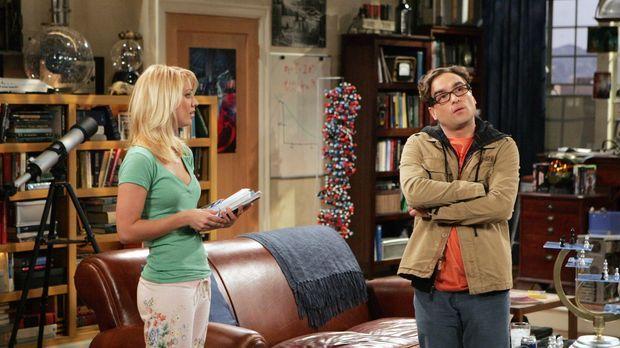 Penny (Kaley Cuoco, l.) begeht einen großen Fehler, als sie Leonard (Johnny G...