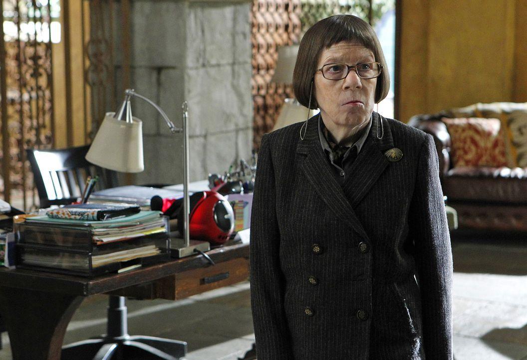 Hat einen neuen Auftrag für ihr Team: Hetty (Linda Hunt) ... - Bildquelle: CBS Studios Inc. All Rights Reserved.