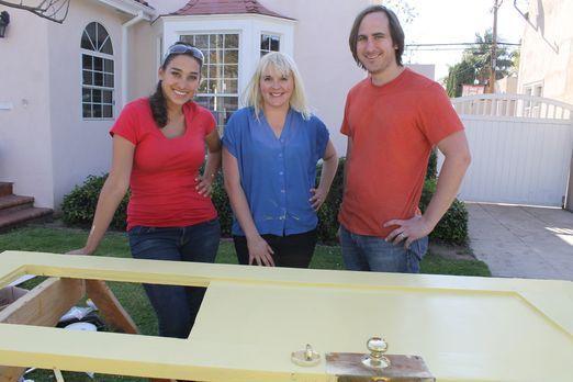 Als Maggie (M.) und Michael (r.) vor einem Jahr das Haus kauften, waren sie ü...