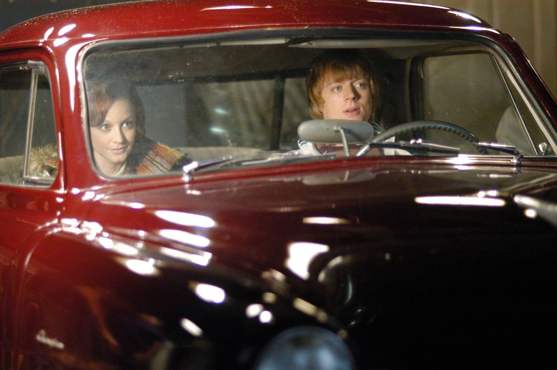 Die Feuertaufe kann endlich beginnen: Pizza Girl (Lindy Booth, l.) und Physical Phil (Jay Paulson, r.) ... - Bildquelle: ABC Studios