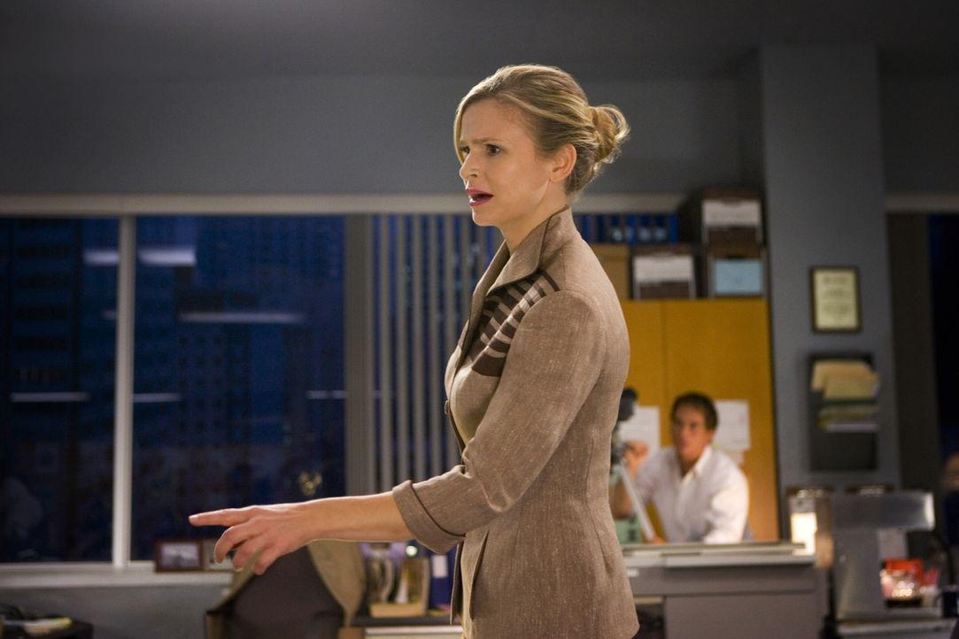 Macht bei den Ermittlungen in einem Doppelmord eine erstaunliche Entdeckung: Brenda (Kyra Sedgwick) ... - Bildquelle: Warner Brothers