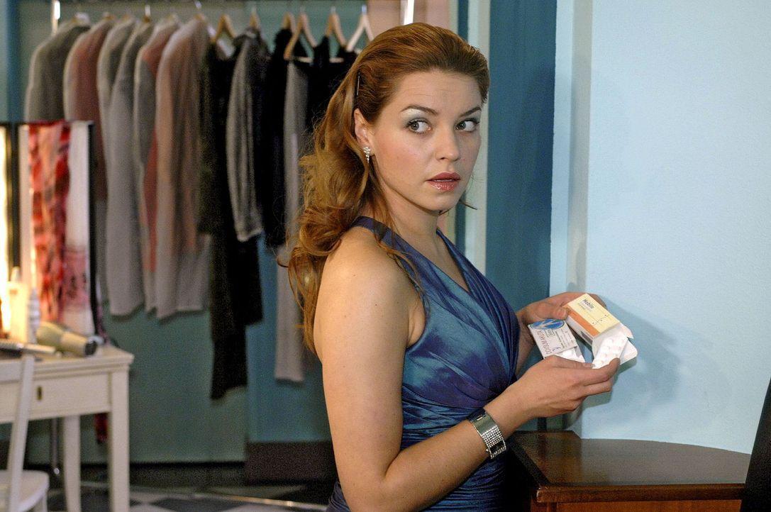 Auf dem Shooting ergibt sich für Katja (Karolina Lodyga) die Gelegenheit, Jannick auszuschalten ... - Bildquelle: Oliver Ziebe Sat.1