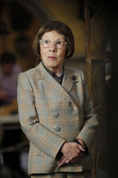 Auf Hettys (Linda Hunt) Team wartet ein neuer Fall ... - Bildquelle: CBS Studios Inc. All Rights Reserved.