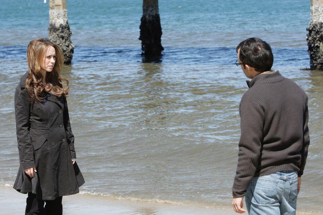 Endlich öffnet sich Justin Yates (Omid Abtahi, r.) Melinda (Jennifer Love Hewitt, l.) und bittet sie um Hilfe ... - Bildquelle: ABC Studios