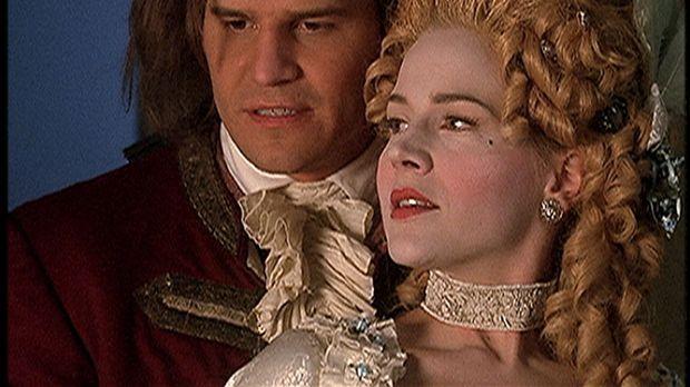 Angel (David Boreanaz, l.) und Darla (Julie Benz) können als seelenlose Vampi...
