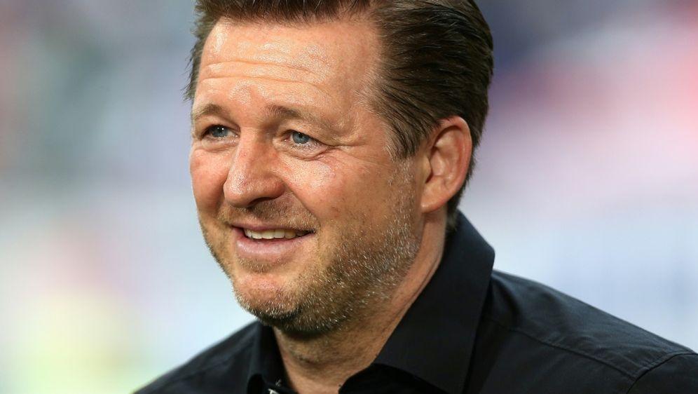 Christian Titz bleibt trotz Abstieg Trainer beim HSV - Bildquelle: FIROFIROSID