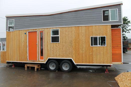Der Industriedesigner Rob baut ein 27-Quadratmeter-Haus, das mit cleveren Spi...
