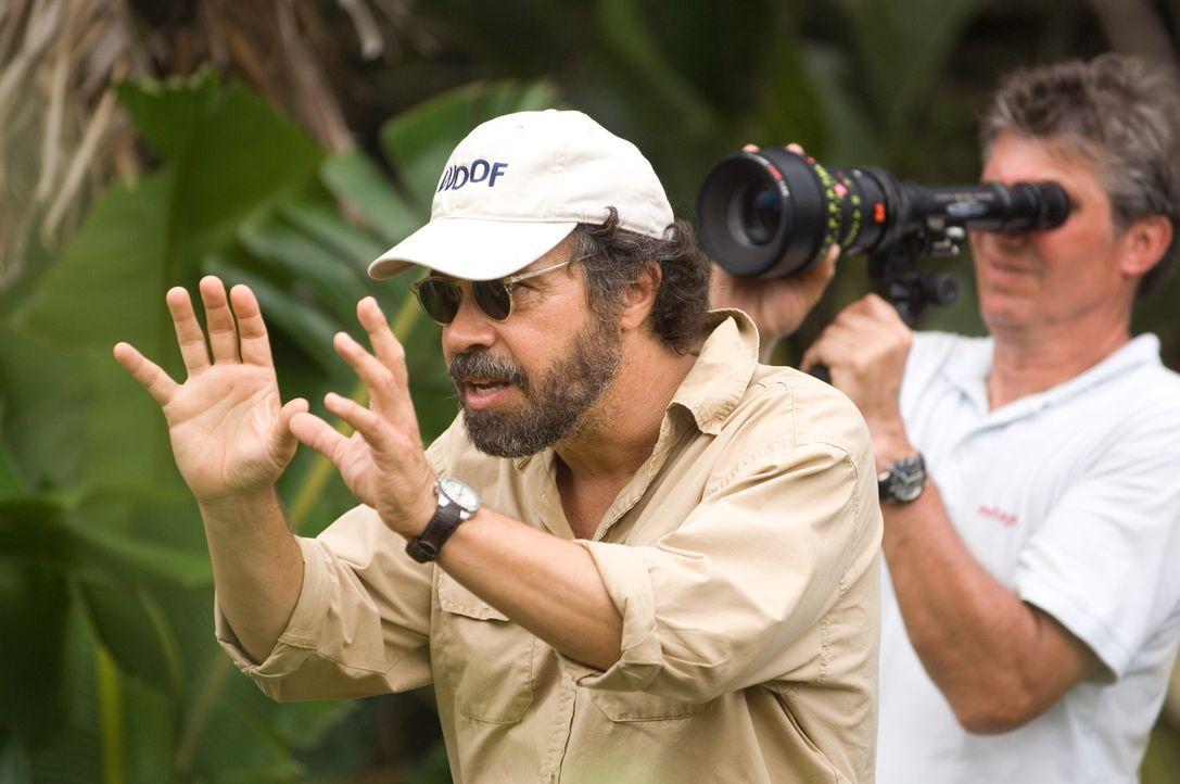 """Regisseur Edward Zwick während der Dreharbeiten zu """"Blood Diamond"""". - Bildquelle: Warner Bros."""