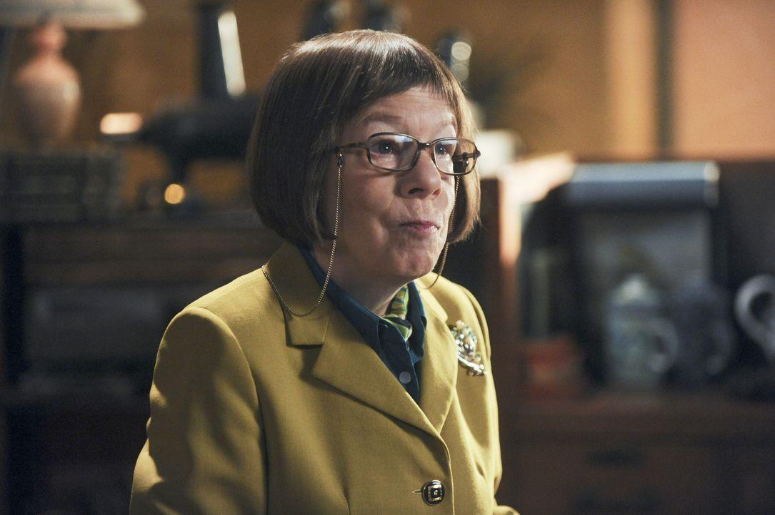 Hat einen neuen Fall für ihr Team: Hetty (Linda Hunt) ... - Bildquelle: CBS Studios Inc. All Rights Reserved.