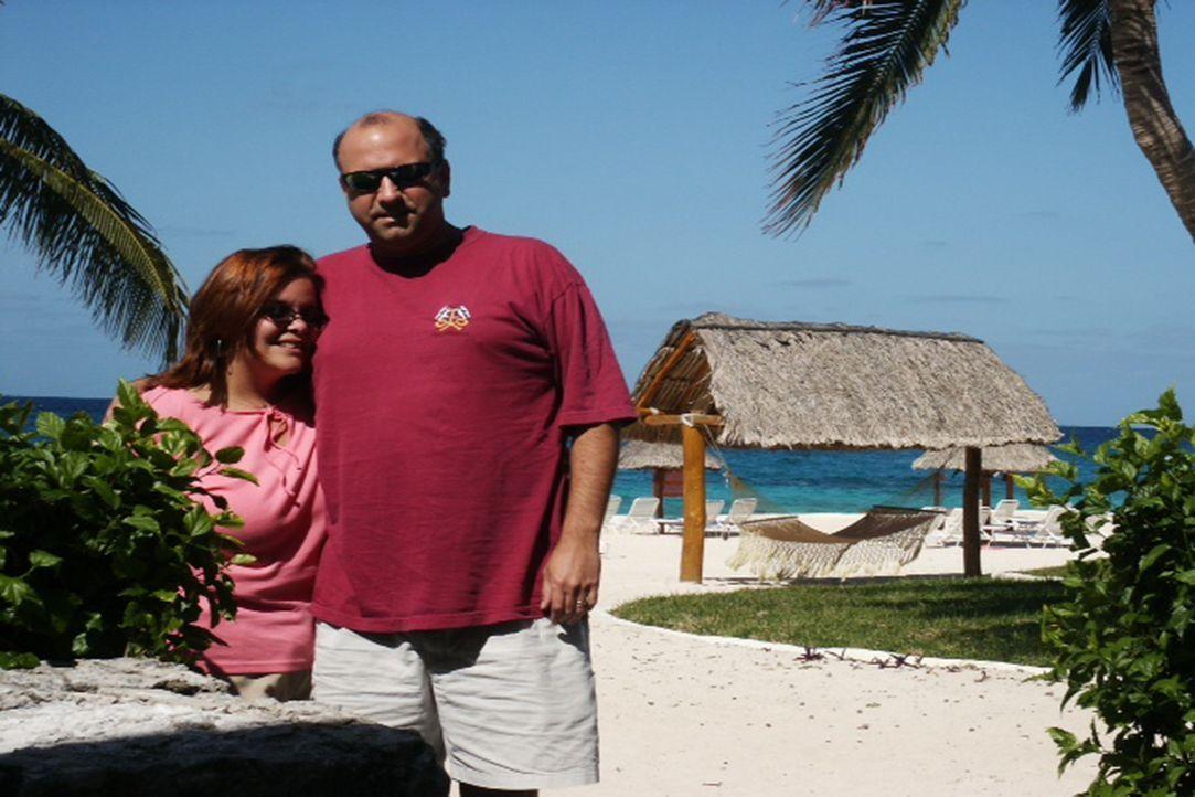 Sandy (l.) und Mike (r.) sind wahre Workaholics und betreiben eine Frühstückspension. Jetzt hoffen sie, einen Ort zu finden, an dem sie endlich mal... - Bildquelle: 2013,HGTV/Scripps Networks, LLC. All Rights Reserved