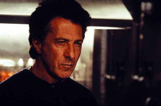 Sphere - Für den Psychologen Dr. Norman Goodman (Dustin Hoffman) wird aus Spa...