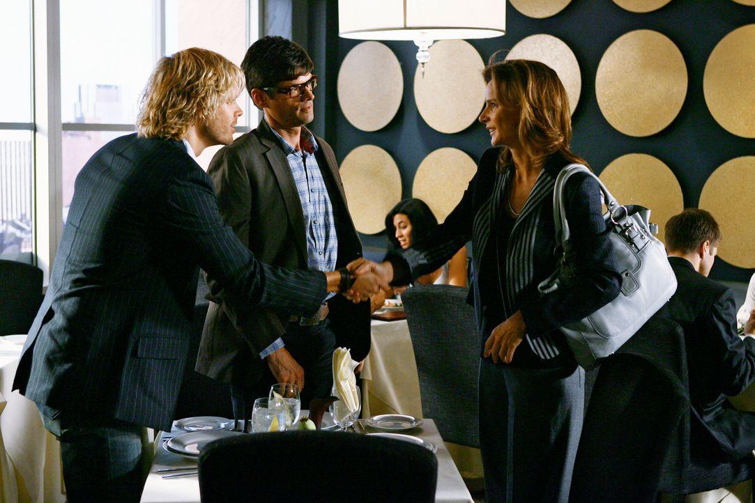 Die Arbeitgeber Kyle DeWitt (Eric Christian Olsen, l.) und Ethan Travis (Will McCormack, M.) haben Sarah (Rachel Griffiths, r.) einiges vorenthalten... - Bildquelle: 2008 ABC INC.