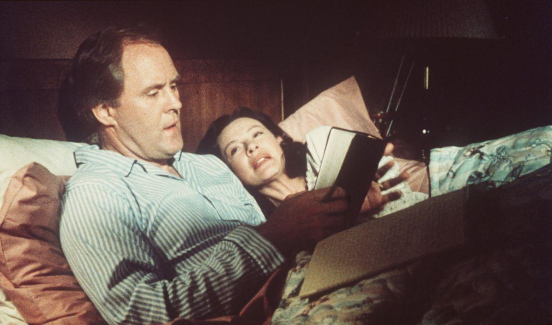 Vi Moore (Dianne Wiest, r.) und ihr Mann Reverend Shaw (John Lithgow, l.) machen sich große Sorgen um die Zukunft ihrer Tochter ... - Bildquelle: Paramount Pictures