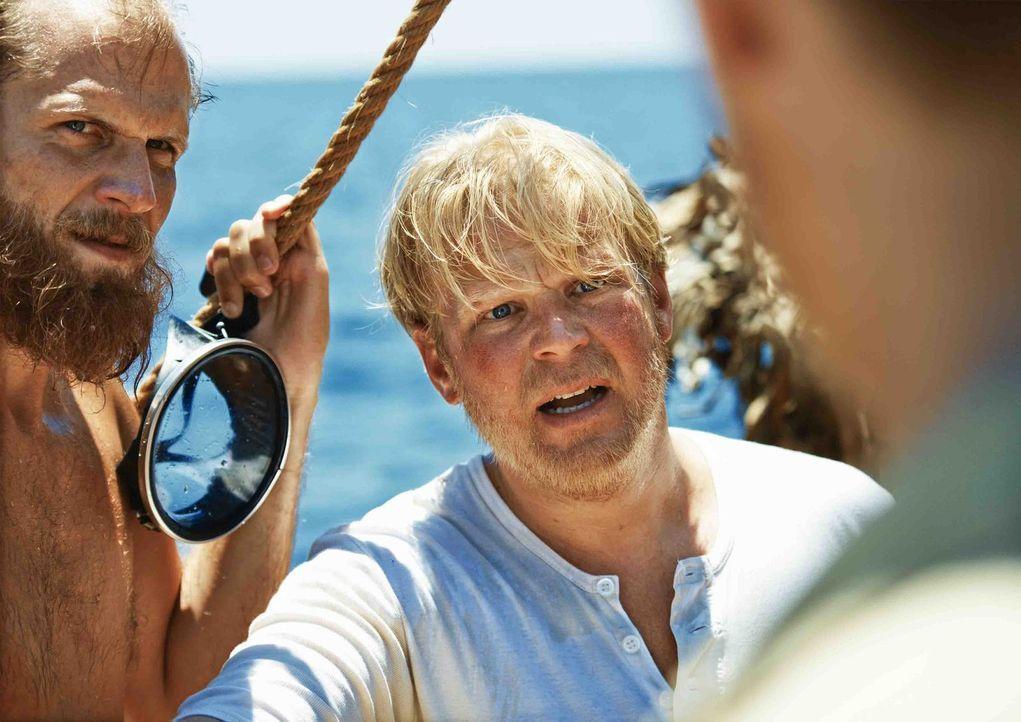 Können Thors Entscheidungen nicht nachvollziehen: Knut (Tobias Santelmann, l.) und Hermann (Anders Baasmo Christiansen, r.) ... - Bildquelle: DCM Film Distribution GmbH