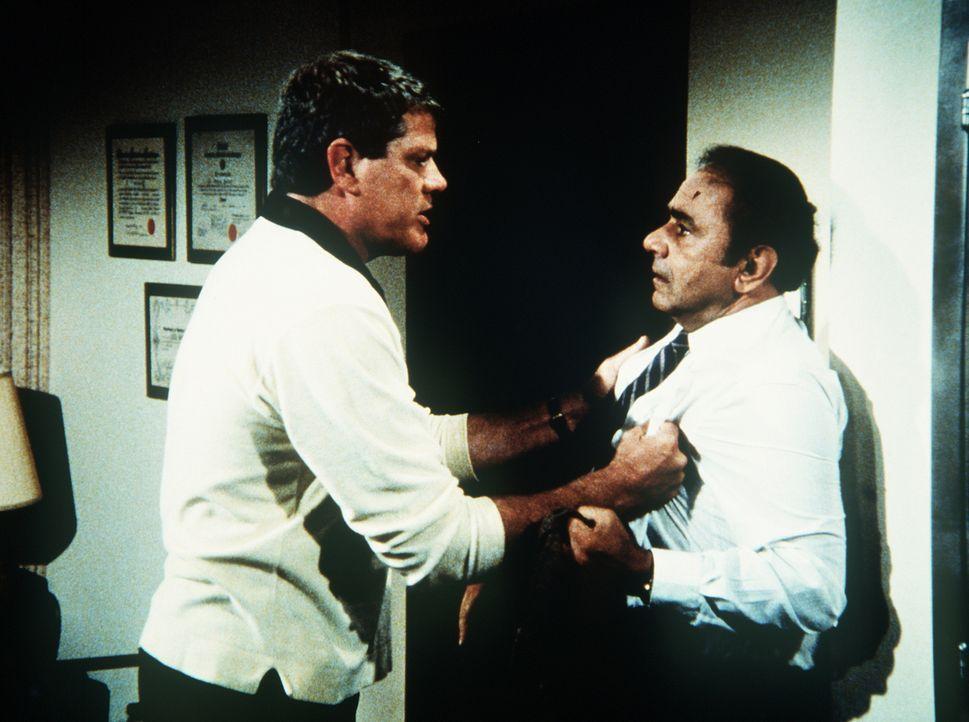 """Der """"gute Doktor"""" (Michael Constantine, r.) will Alex (Ray Young, l.) keine Aufputschmittel mehr geben. - Bildquelle: 20th Century Fox Television"""