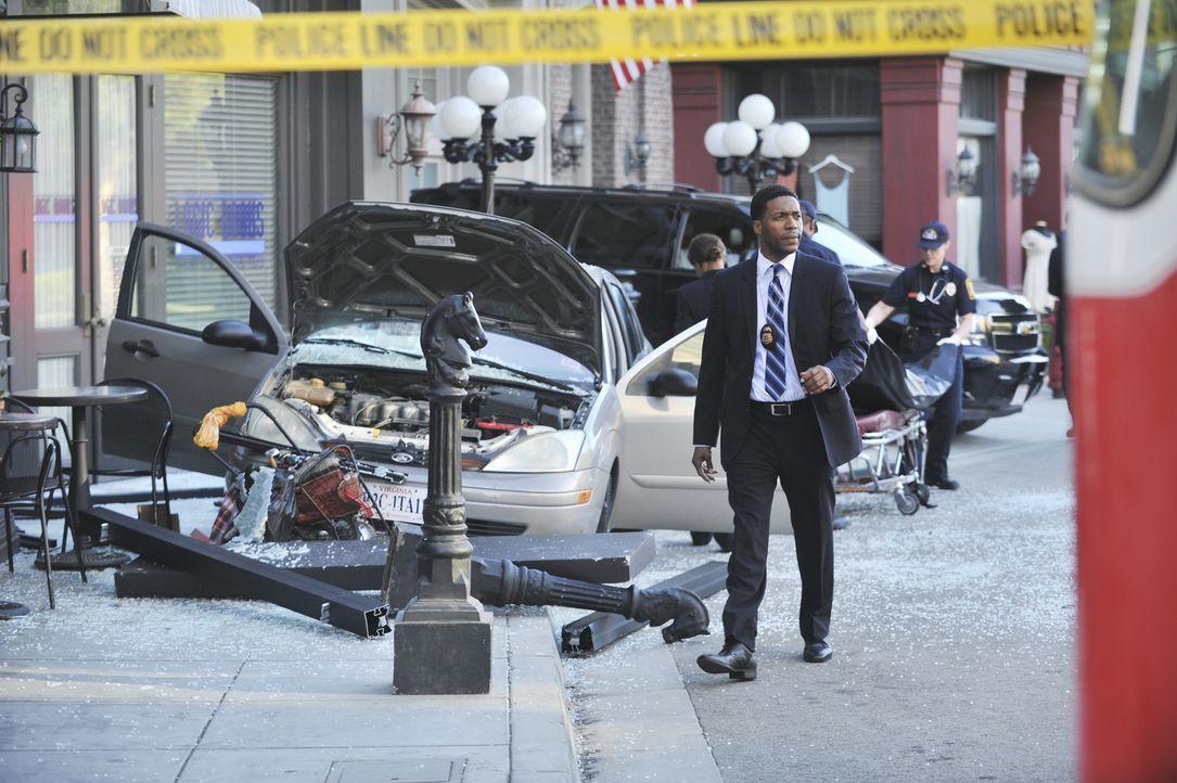 Matt Hendricks (Jocko Sims) nimmt den Unfallort genau unter die Lupe ... - Bildquelle: ABC Studios