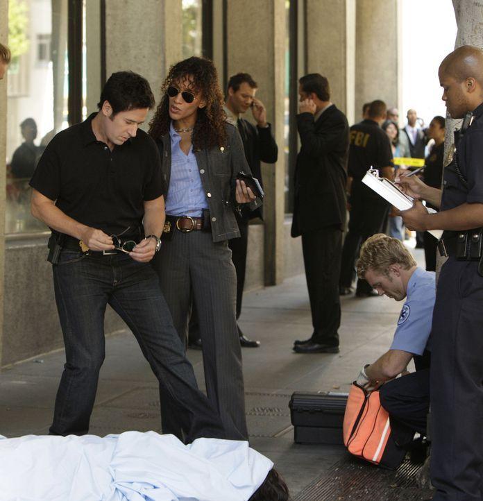 Bei den Ermittlungen: Don (Rob Morrow, l.) und Nikki Betancourt (Sophina Brown, 2.v.l.) versuchen gemeinsam mit dem Team eine Gruppe von Kidnappern... - Bildquelle: Paramount Network Television
