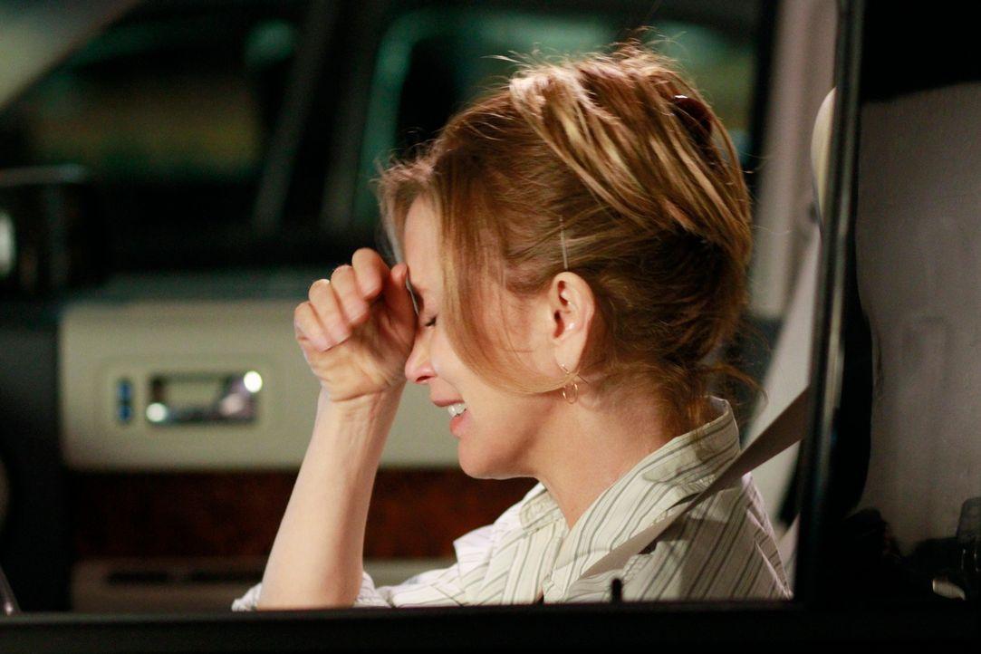 Bekommt unangenehme Post: Lynette (Felicity Huffman) ... - Bildquelle: ABC Studios
