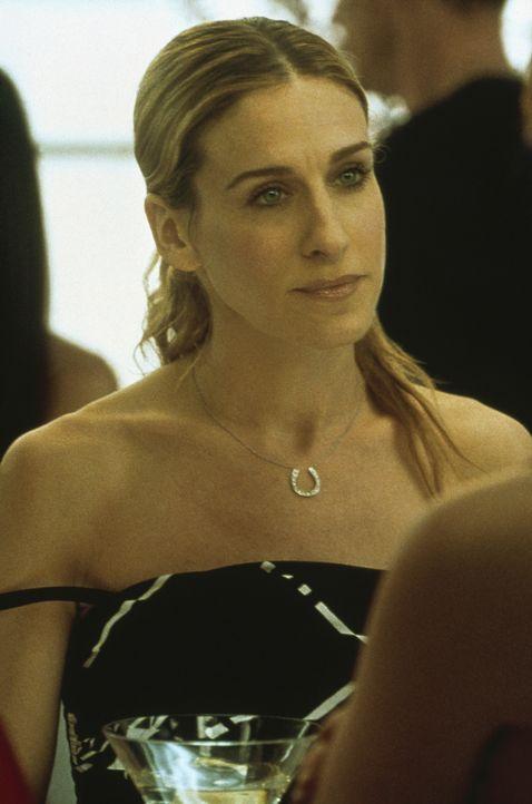 Bei einem abendlichen Pläuschchen mit ihren Freundinnen gesteht Carrie (Sarah Jessica Parker) ihnen, dass sie einen Neuanfang mit Aidan wagen würde. - Bildquelle: Paramount Pictures