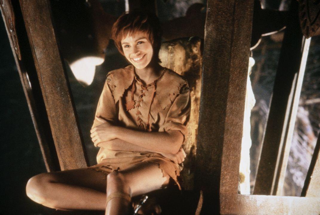 Kann die bezaubernde Fee Tinkerbell (Julia Roberts) Peter Banning seine kindliche Identität als Peter Pan zurückgeben? - Bildquelle: Copyright   1991 TriStar Pictures, Inc. All Rights Reserved.