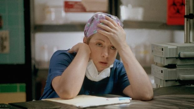 Nach der mehrstündigen Operation ist Corday (Alex Kingston) völlig erschöpft...