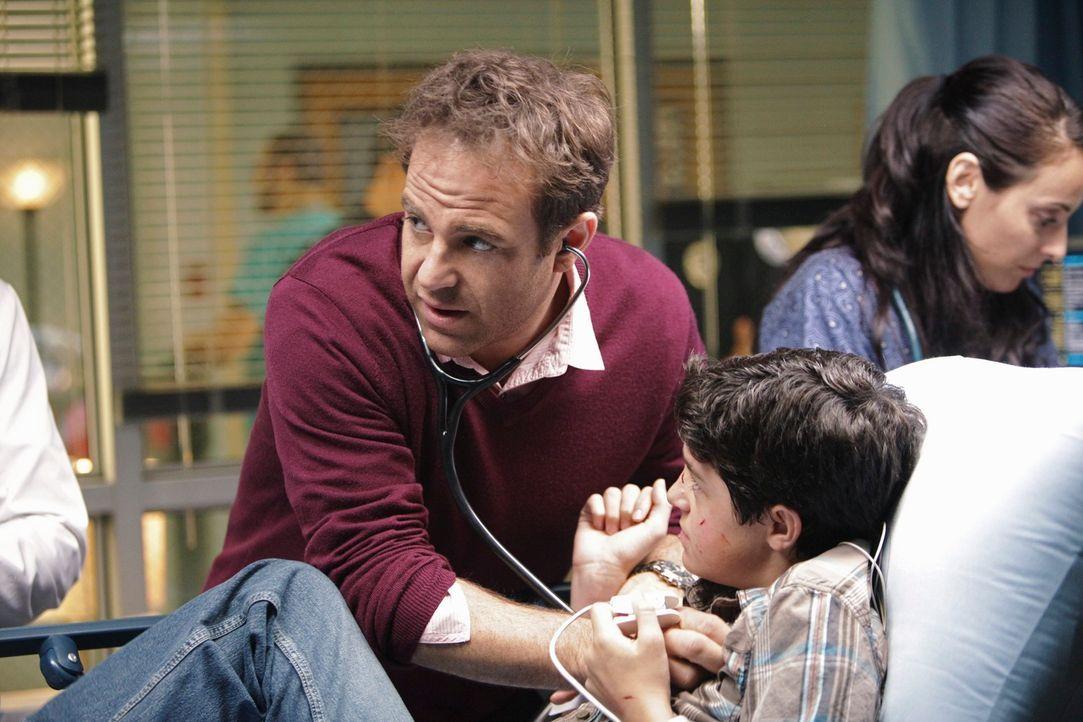 Sydneys Sohn Zack (Aaron Sanders, r.)  ist Autist. Als sie liest, dass Marihuana die Symptome lindern soll, verabreicht sie kurzerhand ihrem Sohn da... - Bildquelle: ABC Studios