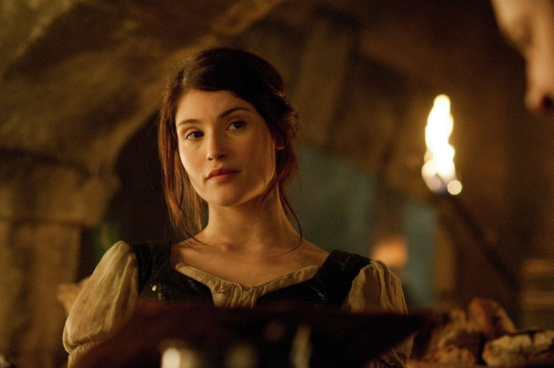 15 Jahre, nachdem sie die Hexe im Backofen verbrannt haben, ziehen Hänsel und Gretel (Gemma Arterton) durch das Land, um deren Artgenossen zur Strec... - Bildquelle: David Appleby 2013 Paramount Pictures.  All Rights Reserved.