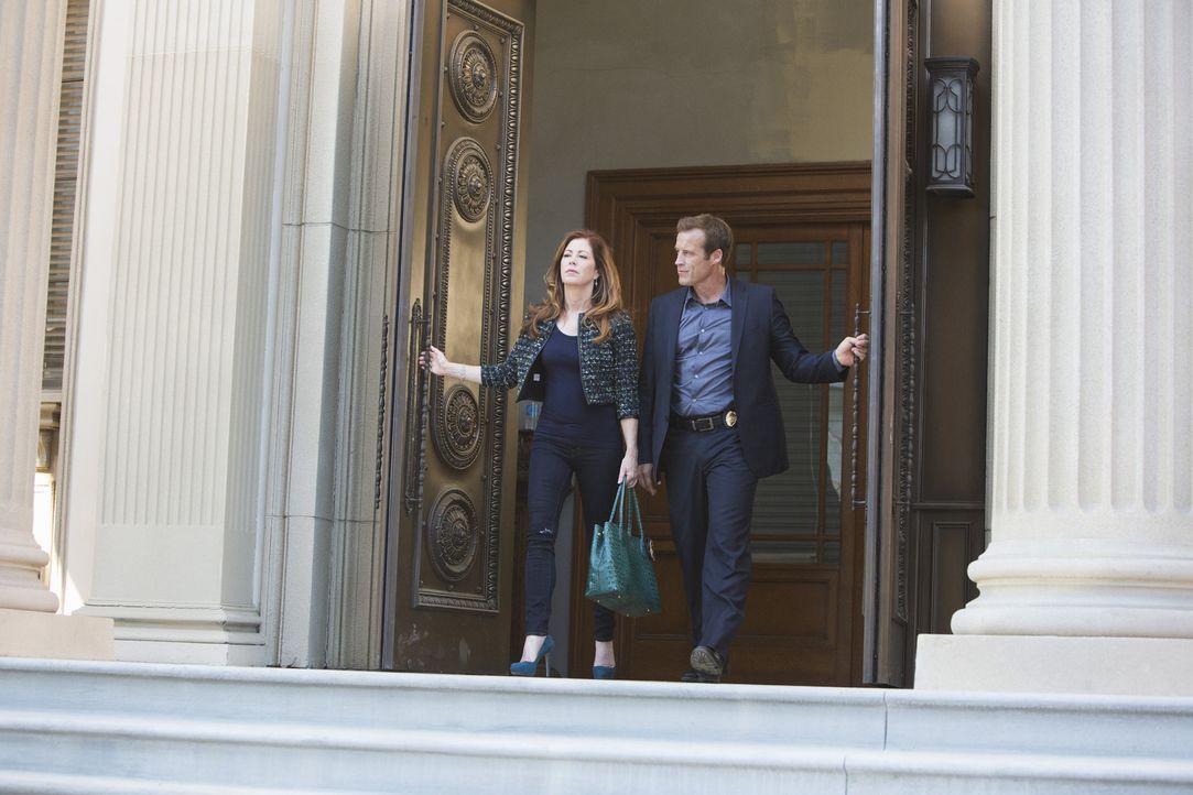 Dr. Megan Hunt (Dana Delany, l.) versucht zusammen mit Detective Tommy Sulivan (Mark Valley, r.) ihren neuen Mordfall zu lösen. Doch spielt ihr nich... - Bildquelle: 2013 American Broadcasting Companies, Inc. All rights reserved.