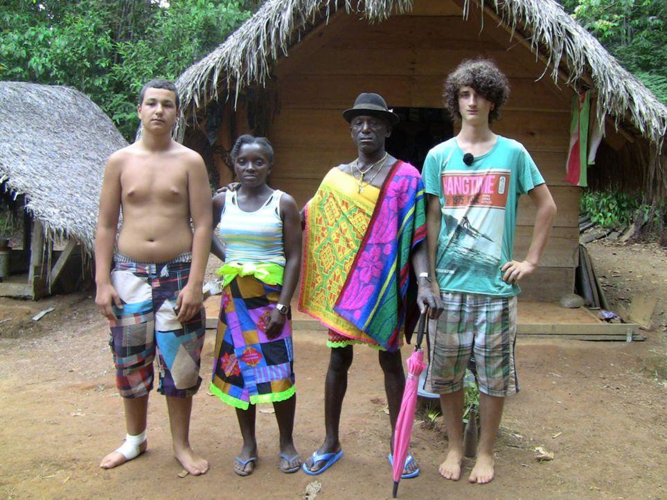 In Suriname bekommen Cihan (l.) und Jonas (r.) die Chance, ihr Leben zu verändern. Doch werden sie sie nutzen? - Bildquelle: SAT.1