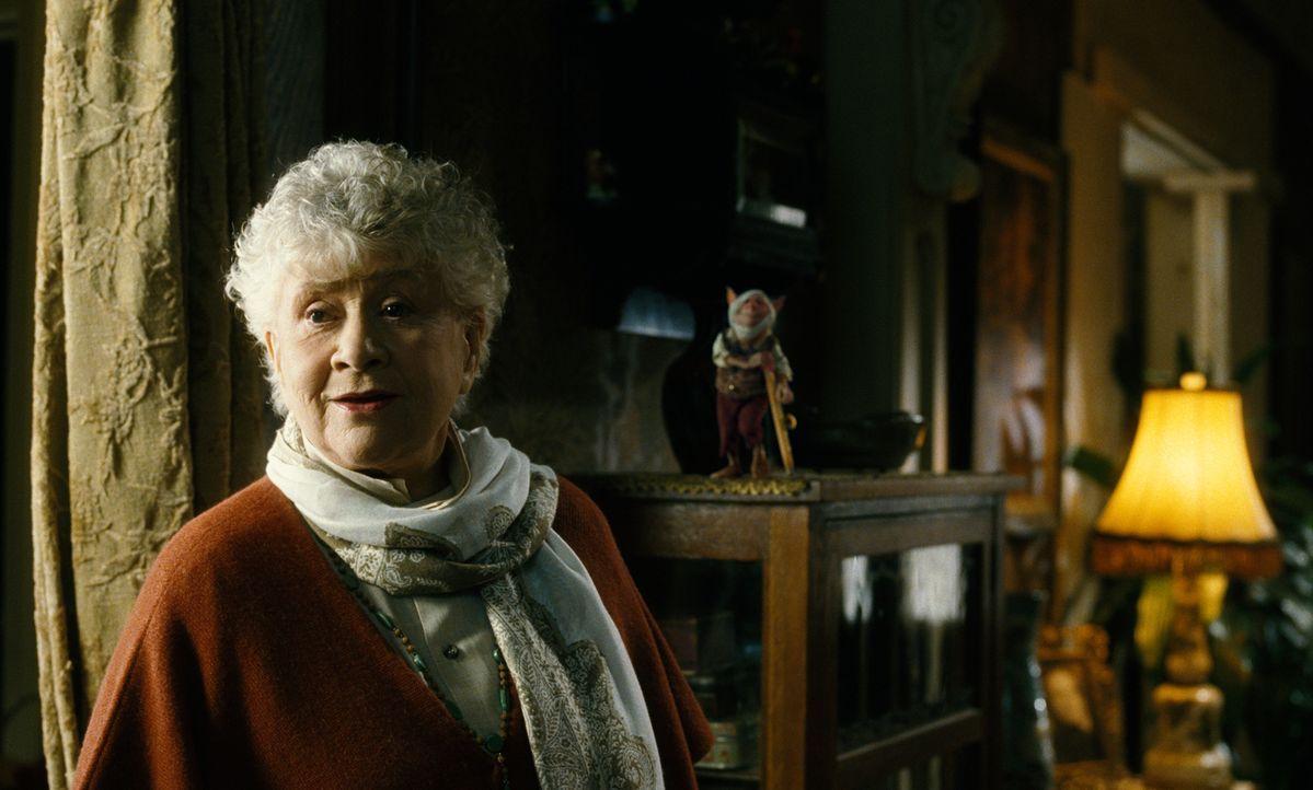 Hat Tante Lucinda (Joan Plowright) eine Idee wie man die Kobolde und ihren Anführer Mulgarath unschädlich machen kann? - Bildquelle: Paramount Pictures