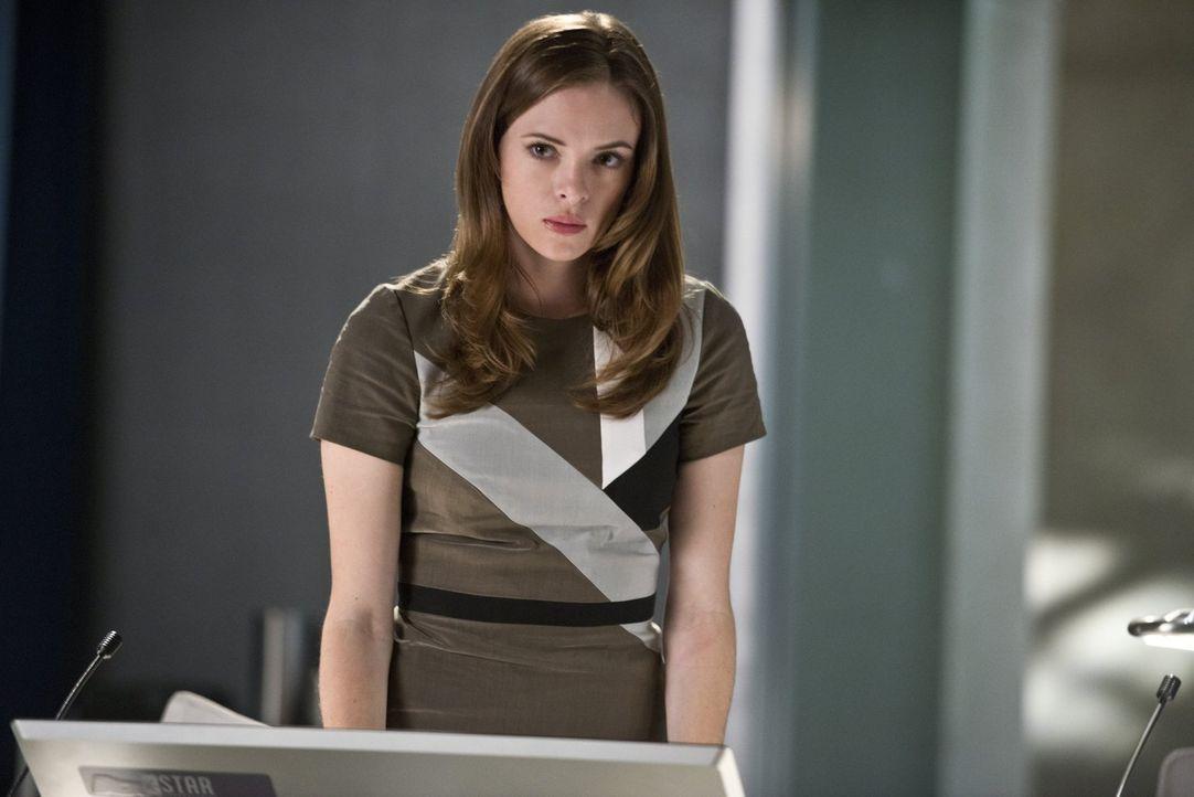 Ist sauer auf Barry, da er ihr nichts von seinen Nebenwirkungen erzählt hat: Caitlin (Danielle Panabaker) ... - Bildquelle: Warner Brothers.
