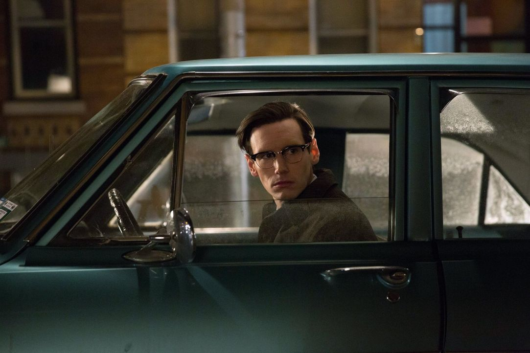 Während Gordon und Bullock ihre Ermittlungen in Sachen Ogre fortsetzen, verteidigt Edward Nygma (Cory Michael Smith) seine Angebetete Kristin Kringl... - Bildquelle: Warner Bros. Entertainment, Inc.