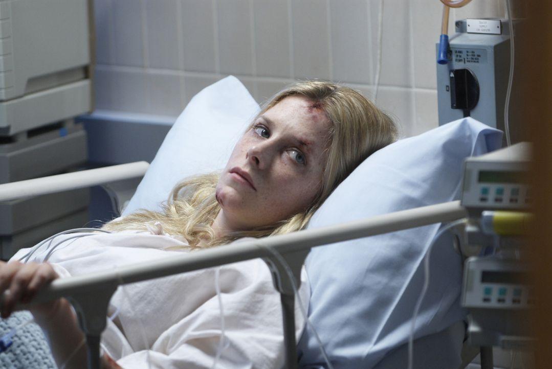 Sarah (Shauna MacDonald) kehrt als einzige Überlebende von einer Höhlentour zurück. Sie ist schwer traumatisiert und ohne Erinnerung. Deshalb wir...