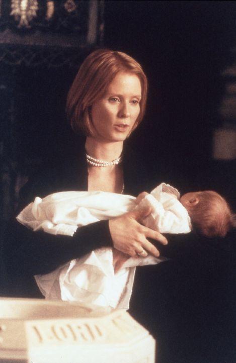 Von Steve überredet, lässt Miranda (Cynthia Nixon) ihren kleinen Brady taufen ... - Bildquelle: Paramount Pictures