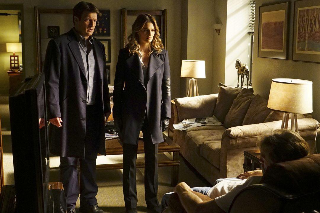 Eins ist Castle (Nathan Fillion, l.) und Kate (Stana Katic, r.) sofort klar: Der Killer ist ein Profi ... - Bildquelle: Richard Cartwright ABC Studios
