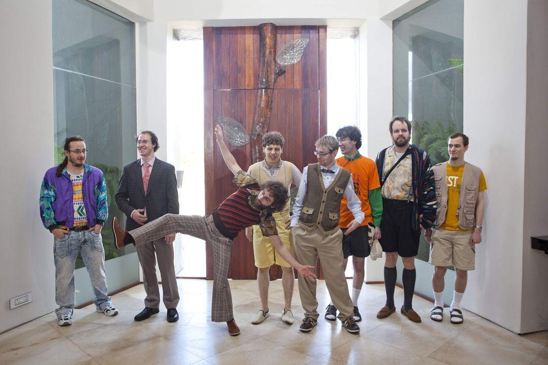Die Nerds (v.l.n.r.) Frank, Sven, Helge, Cedric, Kevin, Michael, Martin und Marius. - Bildquelle: Charlie Sperring ProSieben